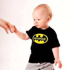 Personalised Batman T-Shirt Superhero Gifts, Baby Gadgets, Batman T Shirt, Superman Logo, Superhero Characters, Presents For Kids, Baby Design, Baby Shower Gifts, Comics