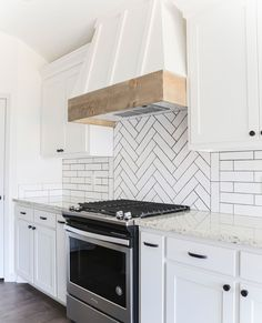 Stove Backsplash, Subway Tile Backsplash, Modern Farmhouse Kitchens, Home Kitchens, Farmhouse Plans, Kitchen Ideas, Kitchen Design, Kitchen Inspiration, Herringbone Subway Tile