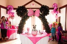 How CUTE is this!? Omgggg!!! | Disney Party Ideas | Disney Party Theme | Disney Party Food | Disney Party Decorations |