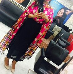 29 Casual Wear That Will Inspire You - Fashion Owner Indian Suits, Punjabi Suits, Indian Wear, Cotton Kurties, Cotton Suit, All Black Dresses, Dps For Girls, Patiala Suit, Girl Trends