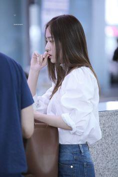 Krystal Fx, Jessica & Krystal, Jessica Jung, Magazine Cosmopolitan, Instyle Magazine, Kpop Fashion, Korean Fashion, Airport Fashion, Yoona