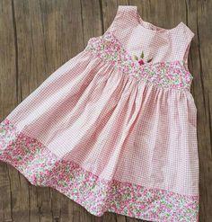 Baby Girl Frocks, Frocks For Girls, Toddler Girl Dresses, Little Girl Dresses, Baby Frocks Designs, Kids Frocks Design, Girls Knitted Dress, Baby Dress Design, Baby Girl Dress Patterns