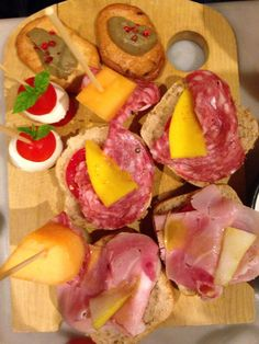 Italy#bari#frulez#happyhour#chick peas#carrots#cucumber#olivs#bruschette