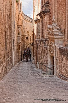 Narrow Streets of Mdina, Malta. Been there and done that, what a wonderful place to visit!