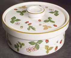 wedgwood wild strawberry china | WEDGWOOD Wild Strawberry (Earthenware) at Replacements, Ltd