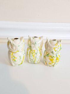 Vintage Macrame Bead, OWL Bead, Splatter Ceramics, Animal Macrame Bead, BOHO Decor, Kitsch, Kawaii, Macrame, Splatterware, Large Bead, 1970s https://etsy.me/2qouDmG #supplies #white #yes #yellow #kawaii #junkyardblonde #animalmacramebeads #kitschy #macrame