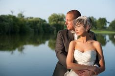 st. Andrews Golf Course wedding day in August - Elite Photo - wedding couple by the lake