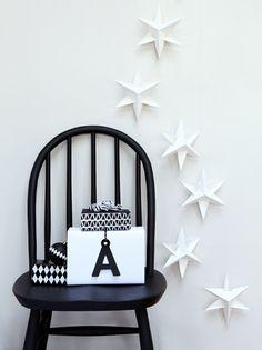 Black & White Holiday Decorating Ideas