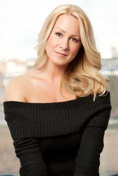 First Look Fridays: Makeup Artist Kerri Herlihy