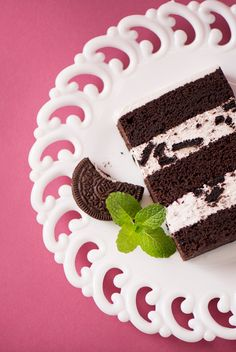 Chocolate mint wedding cake wedding cakes flavors Cake Flavors and Fillings Menu - JustCake Wedding Cake Fillings, Wedding Cake Flavors, Cake Icing, Fondant Cakes, Fondant Tips, Cake Filling Recipes, Cake Recipes, Mint Wedding Cake, Wedding Cakes
