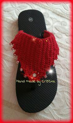 Crochet flip flops Crochet Sandals, Crochet Slippers, Crochet Bikini, Crochet Stitches, Crochet Patterns, Crochet Flip Flops, Fabric Shoes, Wrap Sweater, Crochet Crafts
