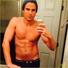 """Sean Faris: Shirtless & Back in Shape After Shoulder Surgery! He says: """"After 2yrs of recovery from shoulder surgery and 3 herniated discs I'm finally getting back in shape. I haven't felt this good for a long time. Never give up! Always move forward and keep persevering!"""""""