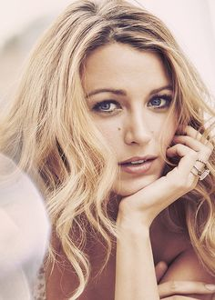 My Favorite Celebs Models — Blake Lively Gossip Girl Blair, Gossip Girls, Estilo Gossip Girl, Blake Lively Moda, Blake Lively Style, Blake Lively Ring, Blake Lively Makeup, Most Beautiful Women, Beautiful People