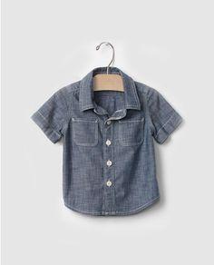 43f69f5ee Camisa chambray de bebé niño Gap en azul Gap Niños