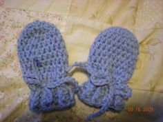 Baby mittens. Very basic, good for beginners.