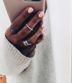 lovely subtle but unique rings Cute Nails, Pretty Nails, Cute Jewelry, Jewelry Accessories, Hair And Nails, My Nails, Nail Ring, Foto Art, Mani Pedi