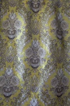 Medici silk in Chartreuse Gold