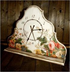 Handmade Home Decor For Your Own Personal Touch – DecorativeAllure Decoupage Tutorial, Decoupage Paper, Decoupage Ideas, Tabletop Clocks, Cottage Furniture, Diy Clock, Stencil, Paper Crafts, Diy Crafts