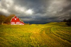 I want a red barn for my farm!