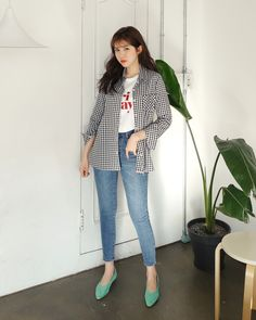 Korean Fashion Trends you can Steal – Designer Fashion Tips Plaid Outfits, Fall Fashion Outfits, Denim Fashion, Skirt Fashion, Chic Outfits, Women's Fashion, Korean Fashion Summer, Korean Fashion Trends, Korean Street Fashion
