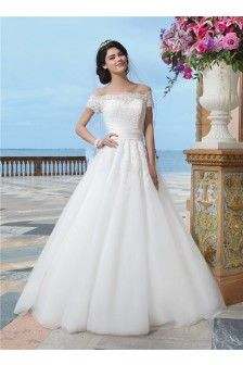 Sexy A Line Off The Shoulder Organza Vintage Lace Wedding Dress With Short Sleeves Buttons