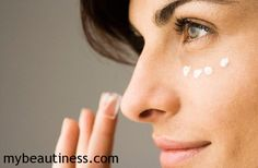 Concealer can cover up blemishes and dark circles or make them look worse. Here are 5 mistakes you're making with concealer. Creme Anti Age, Anti Aging Cream, Anti Aging Skin Care, Best Drugstore Concealer, Under Eye Concealer, Concealer Brush, Makeup Tips For Brown Eyes, Eye Makeup Tips, Makeup Tricks