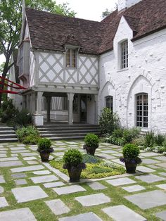 White paint and gray trim, Sleepy Hollow Residence & Gardens, Curtis & Windham Architects Architecture Details, Beautiful Architecture, Tudor House Exterior, Tudor Cottage, Tudor Style, Plein Air, House Painting, Curb Appeal, Future House