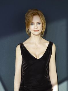 22 may 2009 names swoosie kurtz swoosie kurtz Swoosie Kurtz, Velvet Tops, Picture Photo, Hair Color, V Neck, Actors, Pictures, Hair Ideas, Names