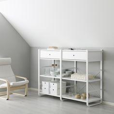 ELVARLI combinatie | IKEA IKEAnederland wooninspiratie inspiratie nieuw opbergen kleding garderobekast kast POÄNG fauteuil