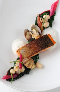 Alan Murchison's sea trout recipe results in a refreshing dish which sources the best of British coastal produce. L'art de dresser et présenter une assiette comme un chef de la gastronomie... > http://visionsgourmandes.com > http://www.facebook.com/VisionsGourmandes . #gastronomie #gastronomy #chef #presentation #presenter #decorer #plating #recette #food #dressage #assiette #artculinaire #culinaryart