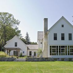 Traditional Exterior Photos Farmhouse Design, Pictures, Remodel, Decor and Ideas - page 3