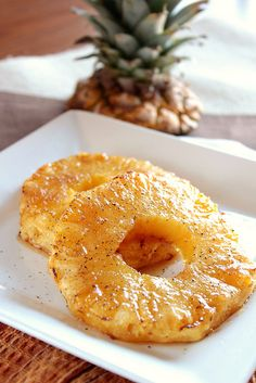Roasted Pineapple: 4 fresh pineapple rings - cut to 1 inch thick, 2 teaspoons olive oil, Freshly ground pepper - to taste, 2 tablespoons brown sugar Fresh Pineapple Recipes, Roasted Pineapple, Pineapple Juice, Summer Potluck, Summer Side Dishes, Fruits And Veggies, Vegetables, Side Dish Recipes, Food Dishes
