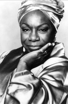Nina Simone - American singer songwriter pianist arranger and activist in the Civil Rights Movement. Her music spanned a broad range of musical styles including classical jazz blues folk R&B gospel and pop. Nina Simone, Jazz Artists, Jazz Musicians, Music Artists, Soul Artists, Music Icon, Soul Music, Vintage Black Glamour, Jazz Blues