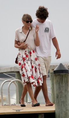 Taylor and her new boyfriend Conor Kennedy!