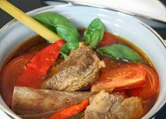 Bone (Spare Ribs) Soup a la Palembang / Pindang Tulang Asian Recipes, Beef Recipes, Soup Recipes, Cooking Recipes, Healthy Recipes, Ethnic Recipes, Nasi Goreng, Palembang, Bone Soup