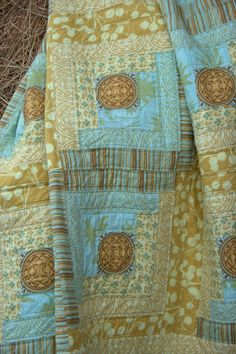 Uncle Henry's Log Cabin - modern twist on a traditional quilt pattern at Robinson Pattern Co