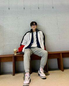 Btob Lee Minhyuk, Fandom, Normcore, Hipster, Celebs, Kpop, Twitter, Beautiful, Fashion