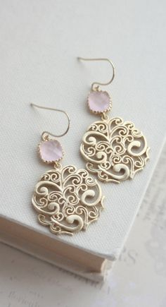 Gold Paisley Filigree Chandelier with Blush Ice Pink Drops design shop Gold Paisley Filigree Chandelier with Blush Ice Pink Drops Earrings, Bridesmaid Gift, Blush Pink and Gold. Wedding Jewelry, Jewelry Box, Jewelry Accessories, Fine Jewelry, Jewelry Design, Jewelry Making, Jewlery, Wedding Gold, Boho Wedding
