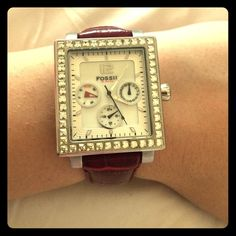 Fossil women Stainless Steel/Genuine Leather Watch Great condition. No missing reign stones. Dark red/silver Fossil Accessories Watches