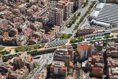Completed in 2016 in Barcelona, Spain. Images by Adrià Goula. Throughout the past century, the line of train and metro tracks through the district of Sants (Barcelona) has been an open wound in its urban fabric,. Traditional Landscape, Contemporary Landscape, Urban Landscape, Landscape Design, Garden Design, Hard Landscaping Ideas, Landscaping Plants, Barcelona, Linear Park