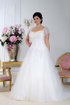 Elegant wedding dress from Sonsie by Veromia