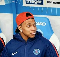 #kylianmbappe #mbappe #mbappé #psg #equipedefrance #worldcup2018 #coupedumonde2018 # #fan #km10 #km7 Football Is Life, Football Soccer, Football Players, As Monaco, Mbappe Psg, France Football, Soccer Gifs, Jesse Lingard, World Cup 2018