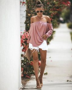 Castello Halter Top Chic Outfits, Summer Outfits, Summer Fashions, Fashion Outfits, Fashion Trends, Halter Top Outfit Jeans, Shorts, Country Outfits, I Love Fashion