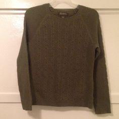 "Download the Postmark app to buy my Eddie Bauer M Olive Green Sweater Good condition. Eddie Bauer Sweater. Sleeve length 32"". Eddie Bauer Sweaters Crew & Scoop Necks"