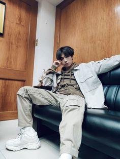 Korean Entertainment Companies, Boy Groups, Leather Jacket, Celebs, Boys, Filipino, Pictures, Outfits, Saints