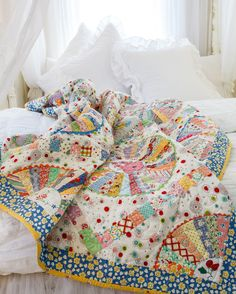 30s Wheel, retro quilt with vintage doilies and reproduction fabrics. By Chris Jurd and published in Australian Homespun magazine 2015 January issue (No 16.1). Available from www.universalshop.com.au or digital issue available from www.zinio.com #vintage #vintagequilt #retroquilt #reproductionfabrics