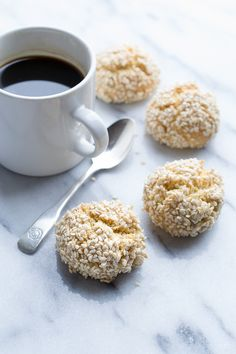 These Sesame Tahini Cookies from Taste Love and Nourish are the most delicious crunchy bites of goodness! Made with no butter, they are full of great sesame flavor! Cookie Desserts, Just Desserts, Cookie Recipes, Dessert Recipes, Sweet Recipes, Whole Food Recipes, Healthy Recipes, Galletas Cookies, Almond Cookies