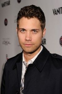 Drew Seeley Hairstyle, Makeup, Suits, Shoes and Perfume - http://www.celebhairdo.com/drew-seeley-hairstyle-makeup-suits-shoes-and-perfume/