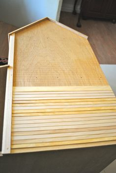Taking Sides: DIY Dollhouse Siding victorian siding Clapboard Siding, House Siding, Haunted Dollhouse, Victorian Dollhouse, Modern Dollhouse, Miniature Furniture, Dollhouse Furniture, Doll House Plans, Dollhouse Tutorials
