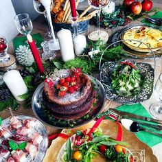 ouchigohan.jp 2016/12/16 19:52:01 【おうちごはん通信】photo by @hanyacoro クリスマスまで残り1週間皆さんはクリスマスにどんな料理を食べますか❓ 本日公開のおうちごはんのコラムでは、クリスマスに食べたい、野菜をたっぷり使った簡単オードブルメニューをピックアップ☺️✨すぐに出来る料理や、盛り付けを変えるだけでクリスマスっぽさが出るアイデアなど目白押しの内容となってますクリスマスメニューをまだ考えていない人や、ちょっとおしゃれなおつまみを食べたい人は必見気になる方は下記URLからチェックしてみてください❗️ -------------------------- ★詳しくは @ouchigohan.jp プロフィールURLから見てくださいね! クリスマスに作りたい!おしゃれでかわいい簡単前菜メニュー集 https://ouchi-gohan.jp/556/ 「休日ごはん」カテゴリをチェック✨ -------------------------- ◆このアカウントではインスタグラマーさんの素敵なPicをご紹介しています。 ハッシュタグ…